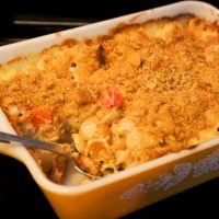 Bacon & Tomato Mac & Cheese With Triscuit Topping Recipe