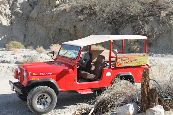 Red Jeep tour palm springs