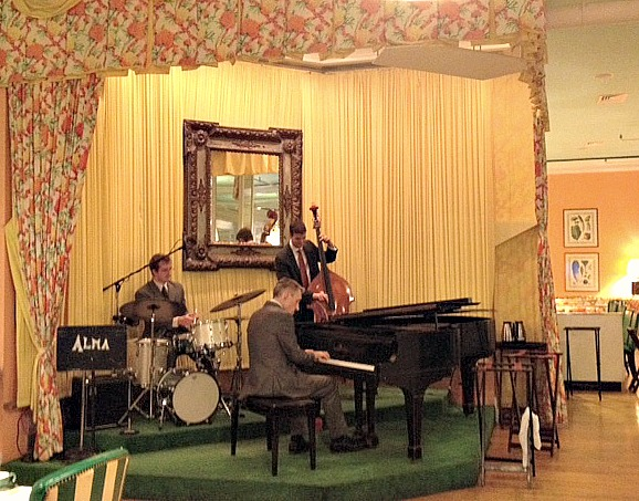 Live 3 piece band performing at the Grand Hotel on Mackinac Island