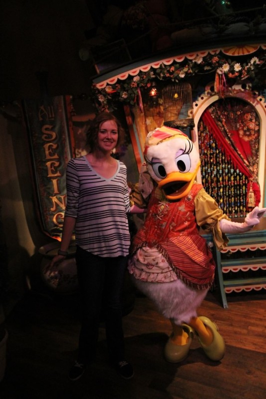 daisy duck at magic kingdom