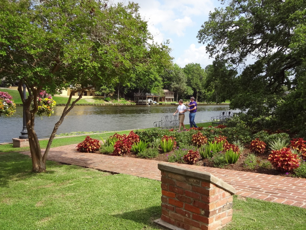 Natchitoches louisiana 5 unique reasons to visit just for Beau jardin natchitoches la