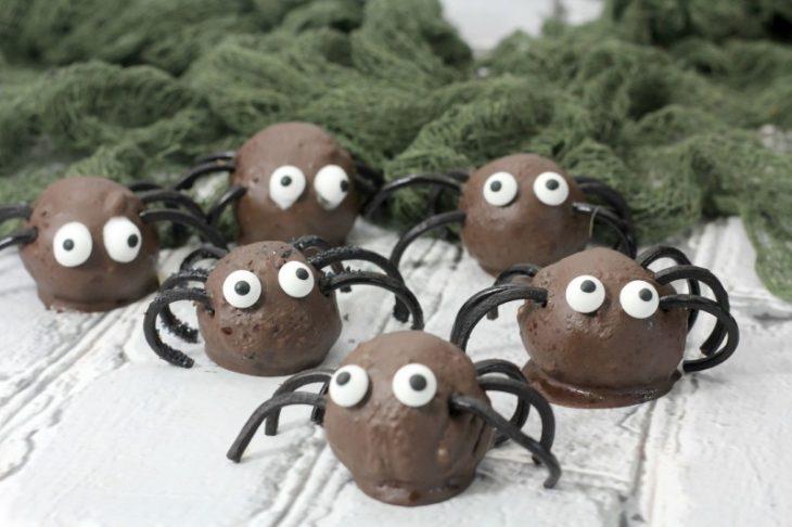 spiders cake balls