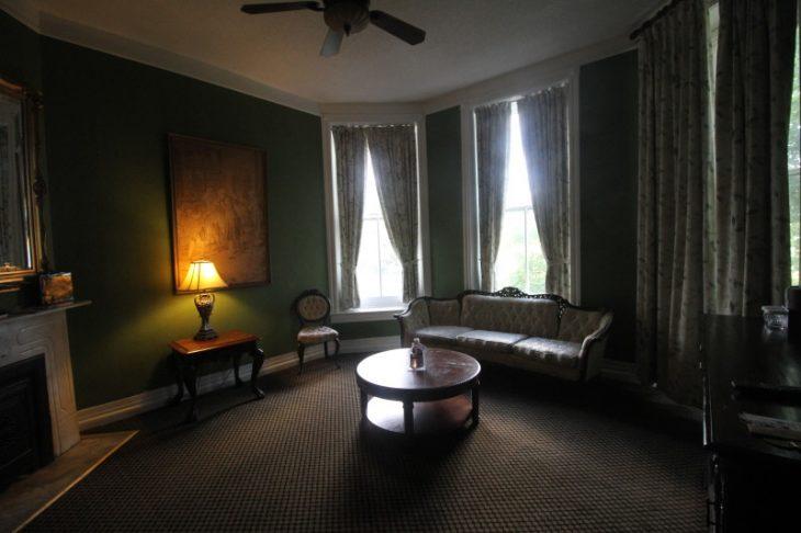 1886 Crescent Hotel