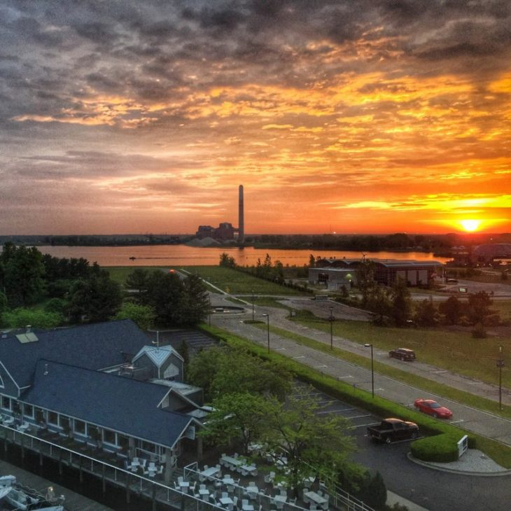 Lake House Love In Michigan: Shoreline Inn Resort: A Waterfront Stay In Muskegon