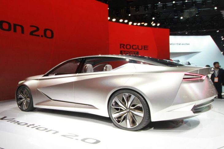 Auto Show Nissan VMotion 2.0