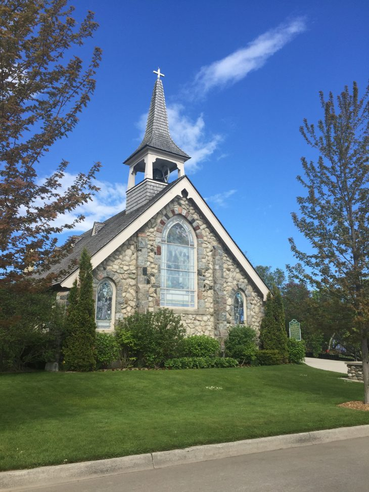 Old Stone Church on mackinac island 44