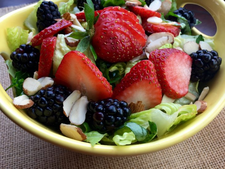 Mixed Berry Salad with Raspberry Vinaigrette Recipe