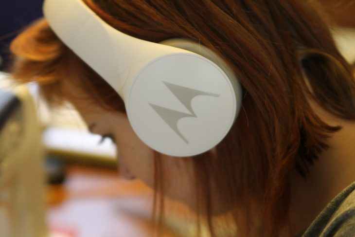 A Perfect Gift for Music Lovers – Motorola Pulse Escape Headphones