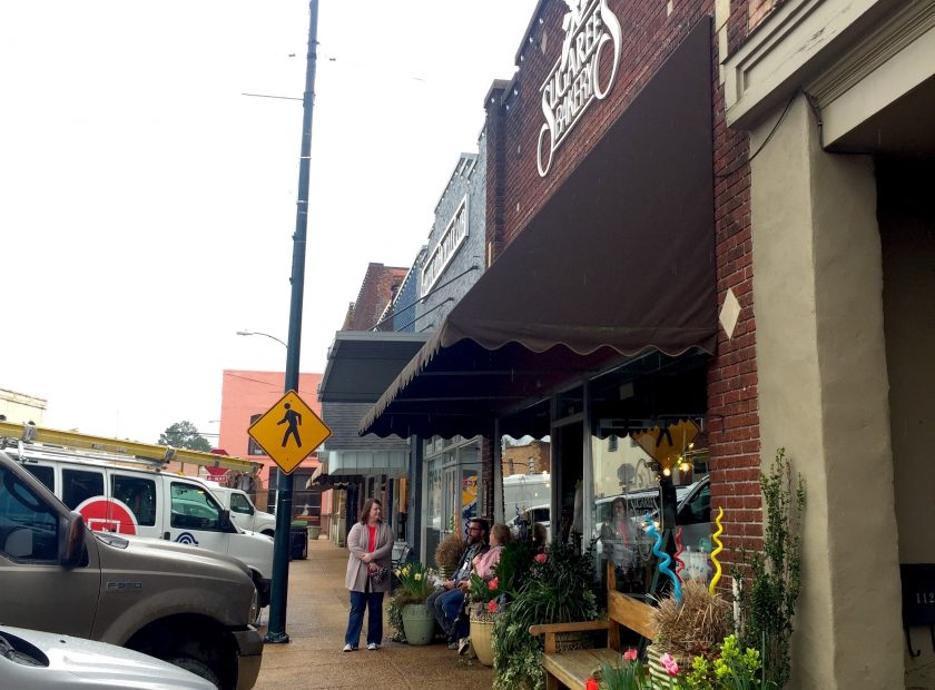 The Southern Small Town Charm of New Albany MS