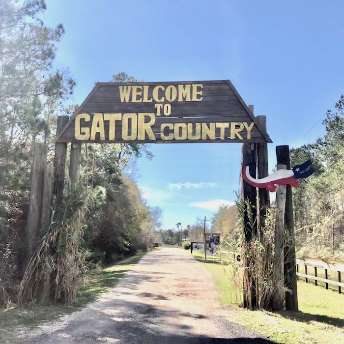 welcome to gator country sign
