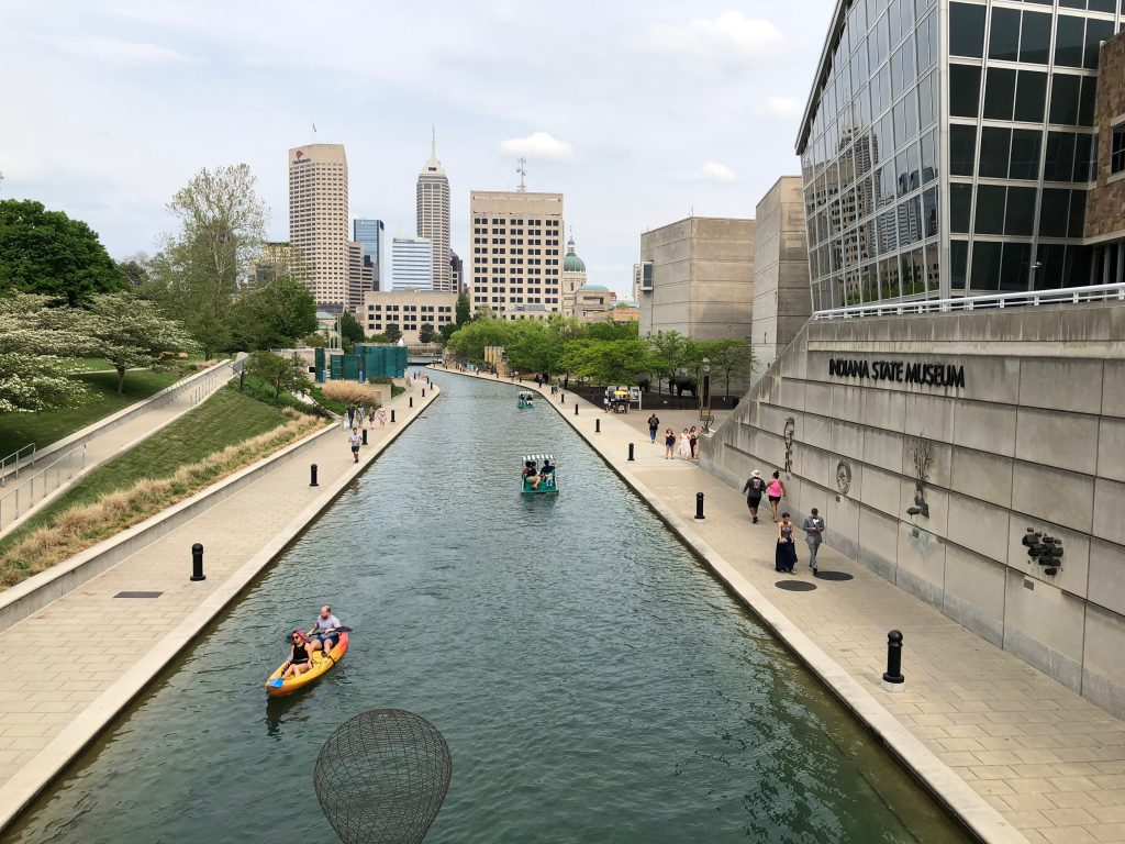 canal walk in indianapolis in