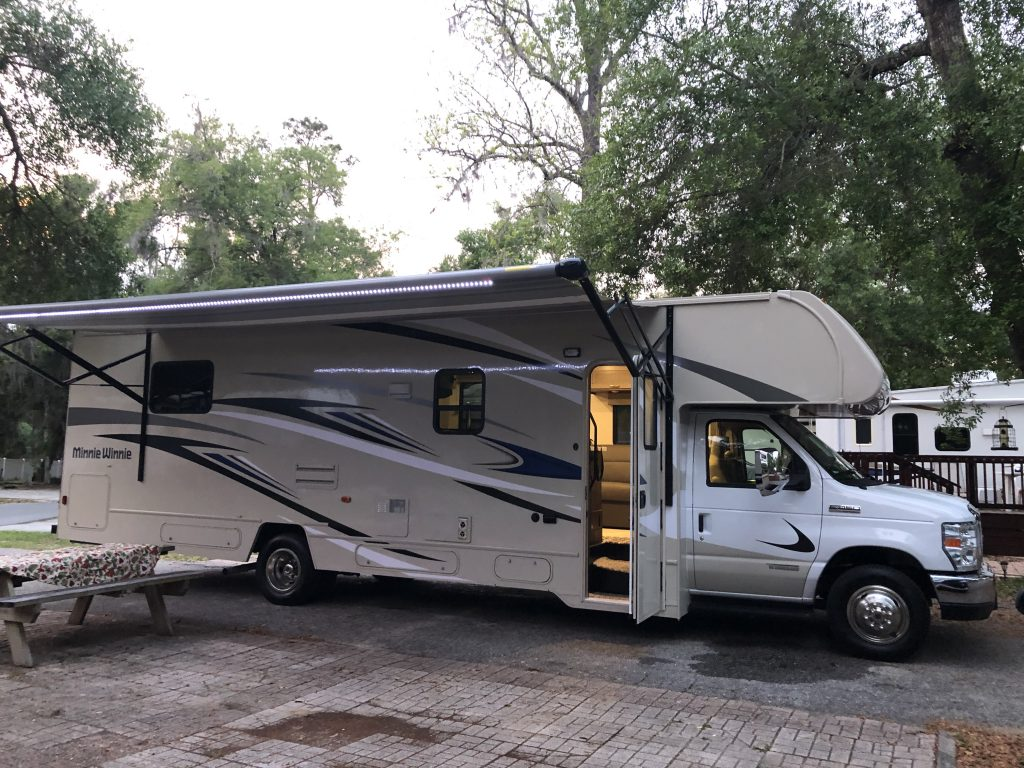 Minnie Winnie RV Camping