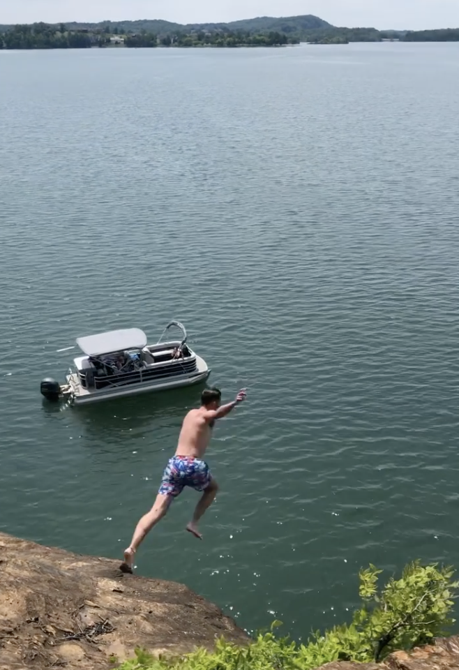 jumping off cliffs along east lakeshore trail in loudon county tn