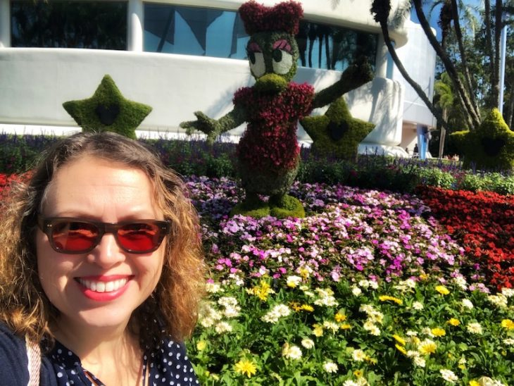 Topiary Disney Flowers Epcot Daisy Duck