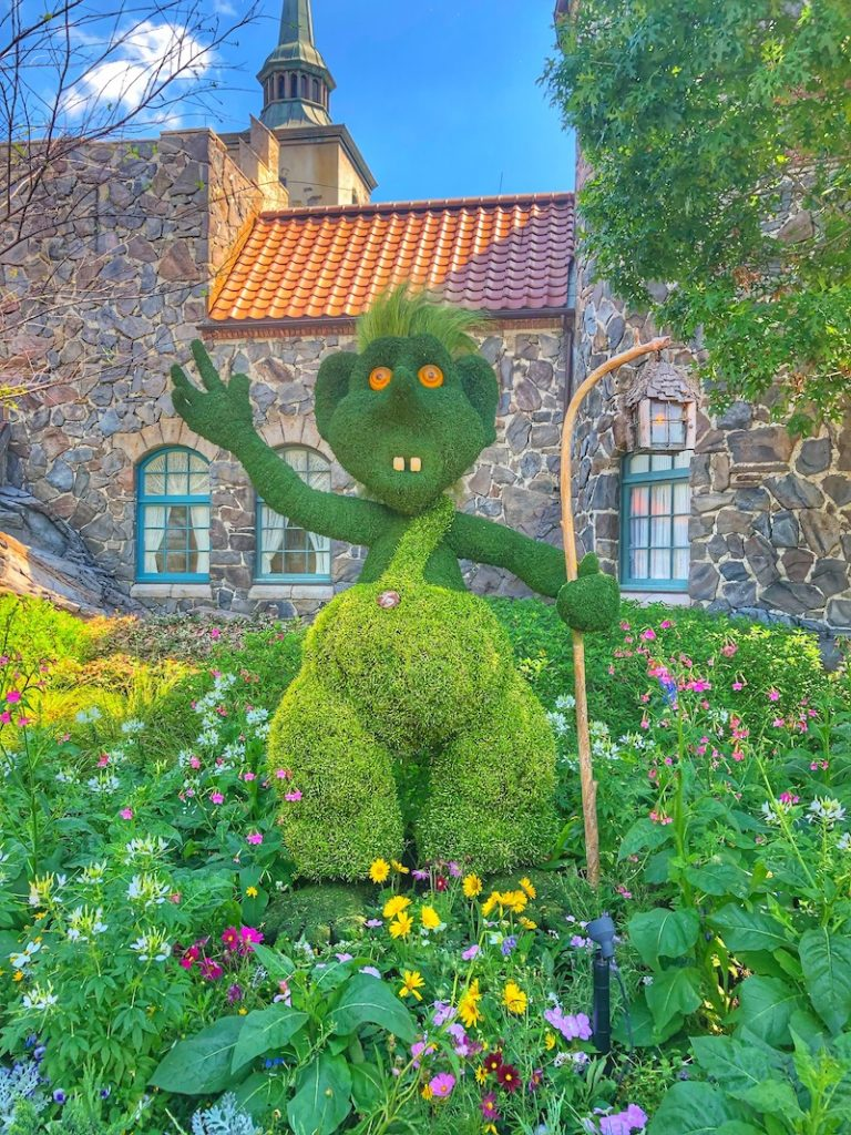 Topiary Disney Flowers Epcot Troll