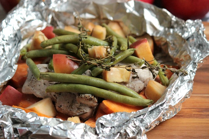 campfire-apple-and-pork-packets