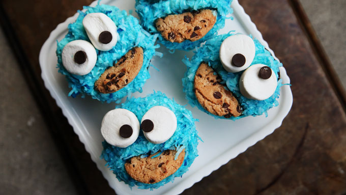 How to Make Cookie Monster Cupcakes: Video