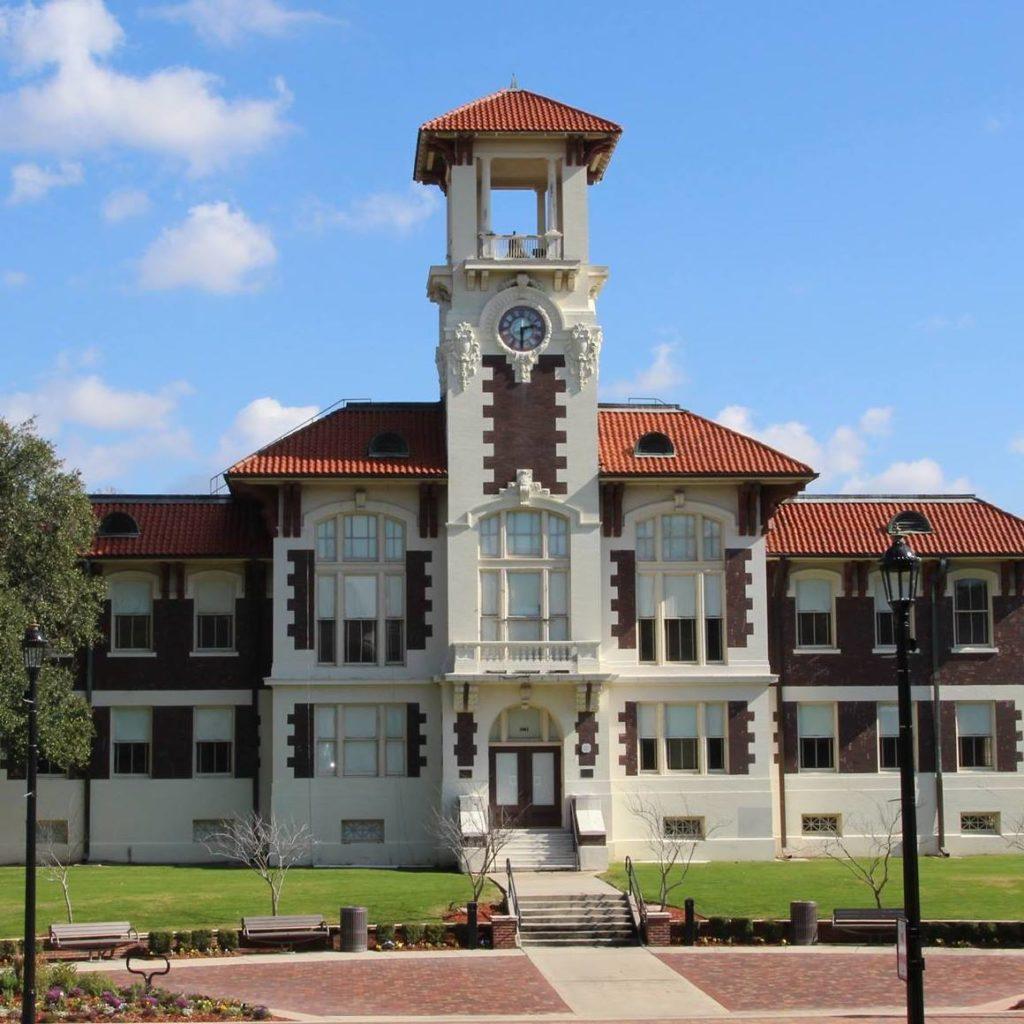 Historic City Hall Arts & Cultural Center