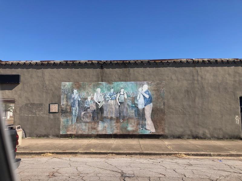 Doc's B's Mural in Leland MS