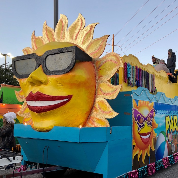 mardi gras beaumont sun float
