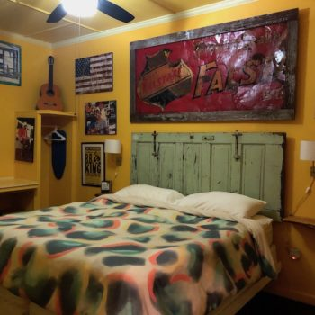 the hooker hotel bedroom 2