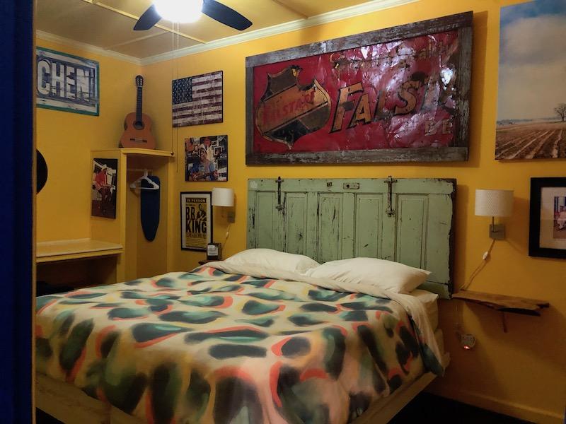 the hooker hotel bedroom 2